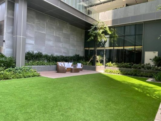 Empire City bãi cỏ
